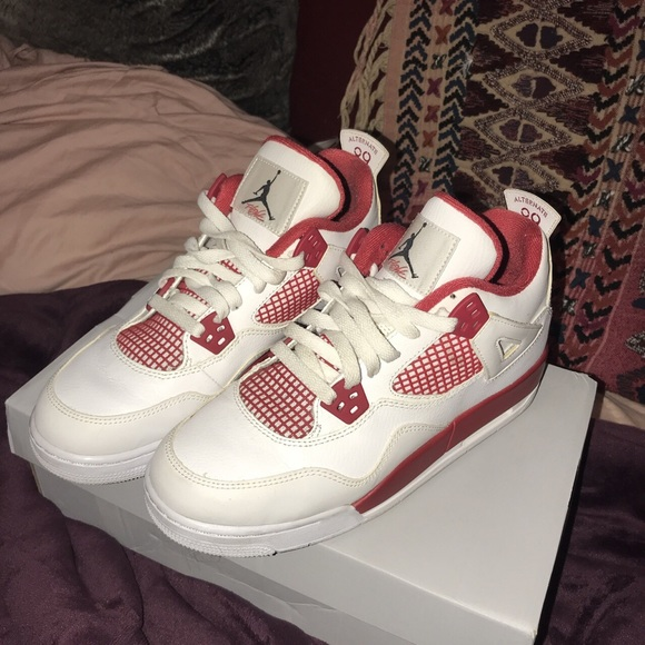 5ae39325db09 Jordan Shoes - Jordan 4 Retro Alternate 89 - Red and White. 7y.
